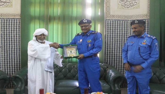 A Delegation from University Security Police General Department visits U of HQS